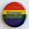 "Regenbogen-Button ""Stronger Together"" M"